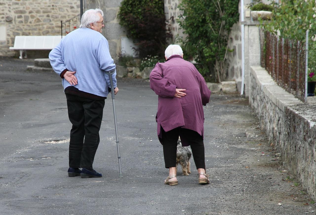 Personnes âgées-posture.
